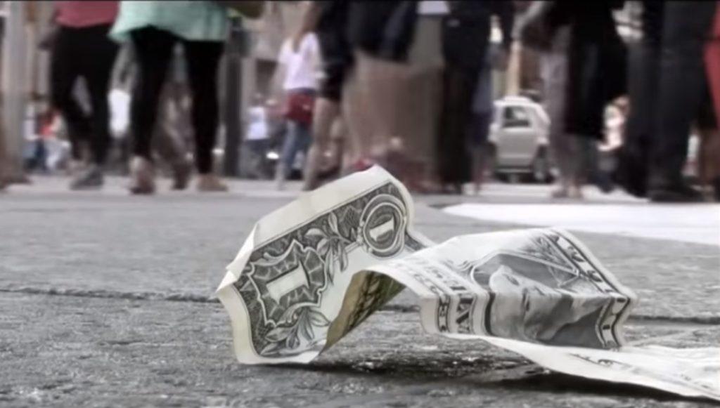 Dollar auf der Strasse