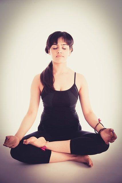 Übe und praktiziere tägliche Meditation